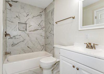 1024 N Rural St Indianapolis-019-012-Master Bath-MLS_Size